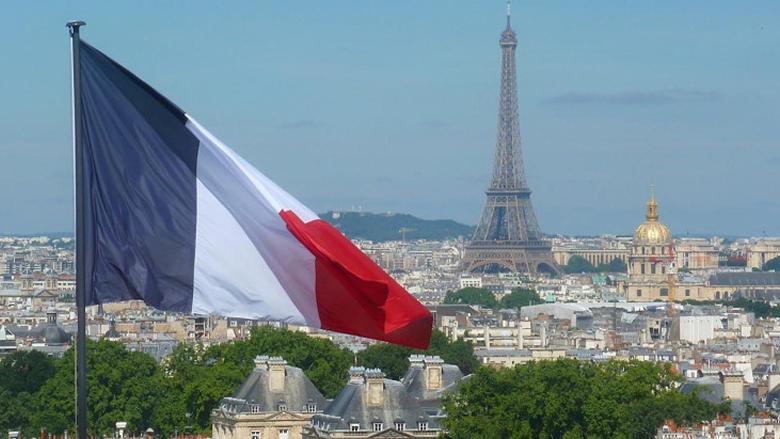لبنان يترقّب مؤتمر الدعم في باريس... والحريري سيرمي الكرة في ملعب عون