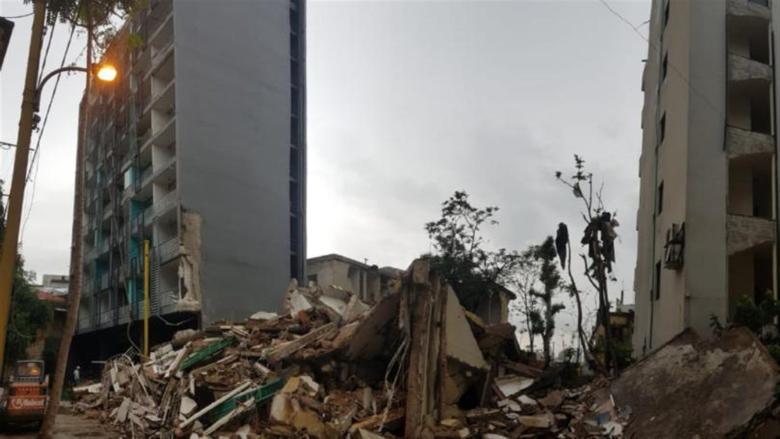 بالصور: إنهيار مبنى متضرر من إنفجار مرفأ بيروت في المدور