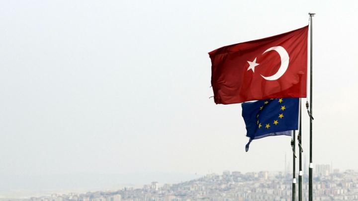 تمديد العقوبات الأوروبية على أنقرة لمدة عام