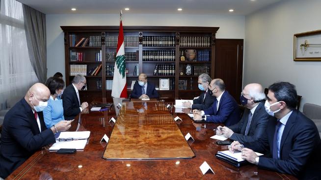 عون تسلم تقرير المرحلة الثانية من خطة إعادة إعمار المناطق المتضررة