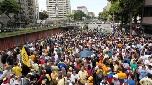 أيام العرب والترك والفرس وفنزويلا