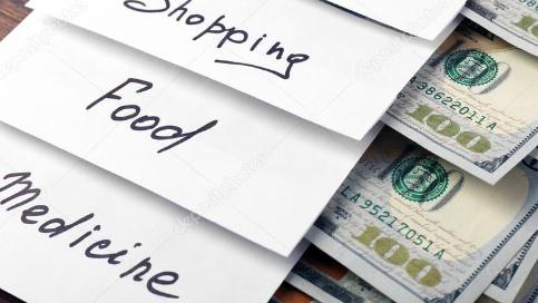 """وزارة الإقتصاد تطرح """"البطاقة التمويلية"""".. فماذا سيحل بالدعم؟"""