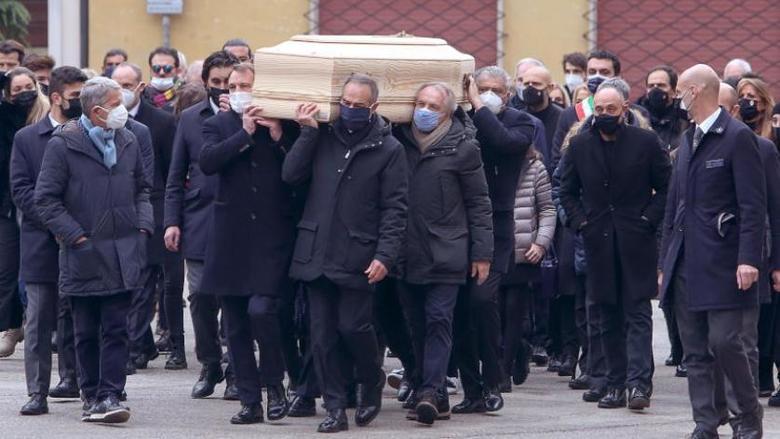 سرقة منزل الأسطورة الإيطالي باولو روسي أثناء تشييع جثمانه
