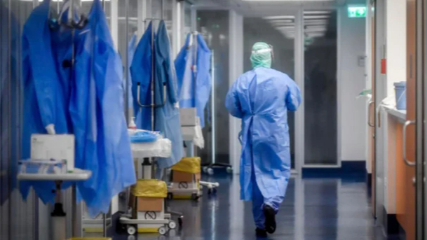 أبيض: لعدم تعريض العاملين في القطاع الصحي للضغوط في فترة الأعياد