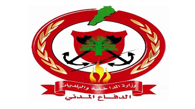 عناصر الدفاع المدني انقذوا مواطنين احتجزتهم السيول على طريق بشمزين