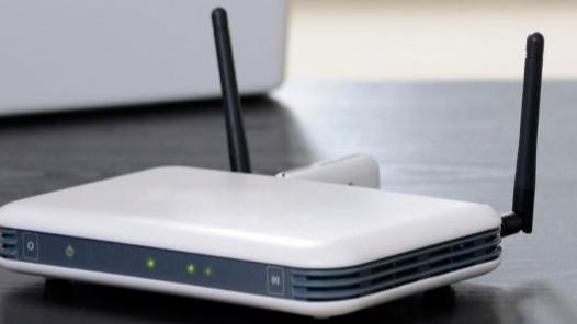 سرق 7 ماكينات إنترنت في صيدا والنبطية
