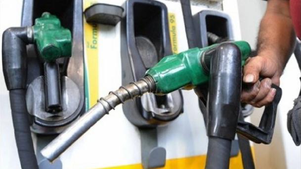 صعوبات تعيق إستيراد النفط من العراق.. براكس: قد نشهد إنقطاعاً في المحروقات
