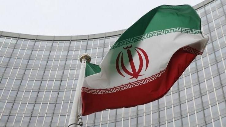 لا حكومة لأن إيران تنتظر