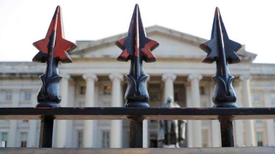 عقوبات أميركية تطال أسماء الأسد والبنك المركزي السوري