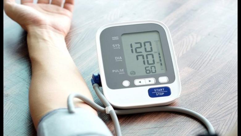 الاختلاف في ضغط الدم بين الذراعين مرتبط بنتائج صحية سيئة