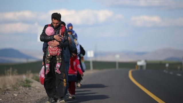 كوفيد-19 يفاقم أزمات المهاجرين