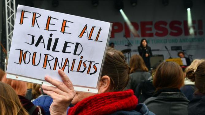 إضطهاد الصحافيين إستمر في العام 2020.. حرية الصحافة تتراجع