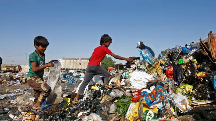 """جائحة """"كورونا"""" قد تدفع 32 مليون شخص إلى الفقر المدقع"""