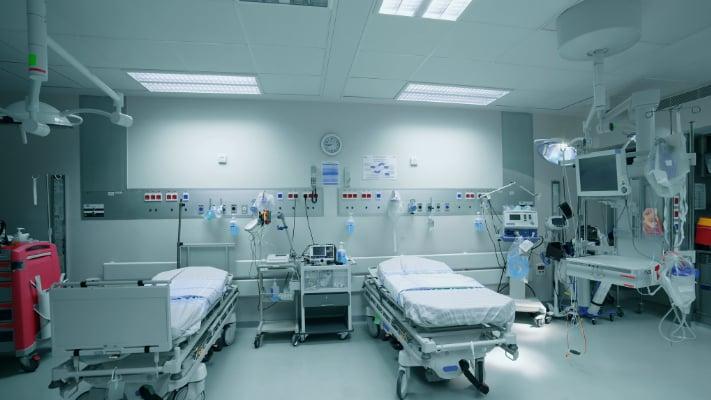 """في مواجهة الأعباء الصحية في 2020.. 5 مليون دولار تقديمات جنبلاط و""""التقدمي"""" للمستشفيات وطبابة 2000 مريض"""