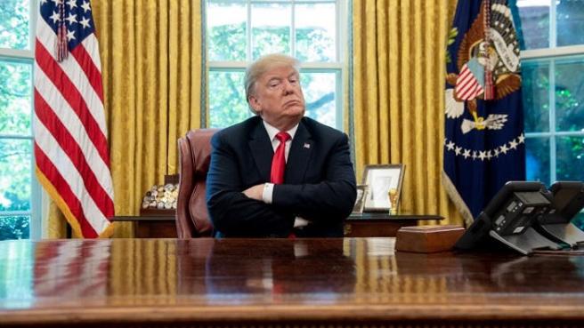 """""""نيويورك تايمز"""": هكذا يقضي ترامب أيامه الأخيرة في البيت الأبيض"""