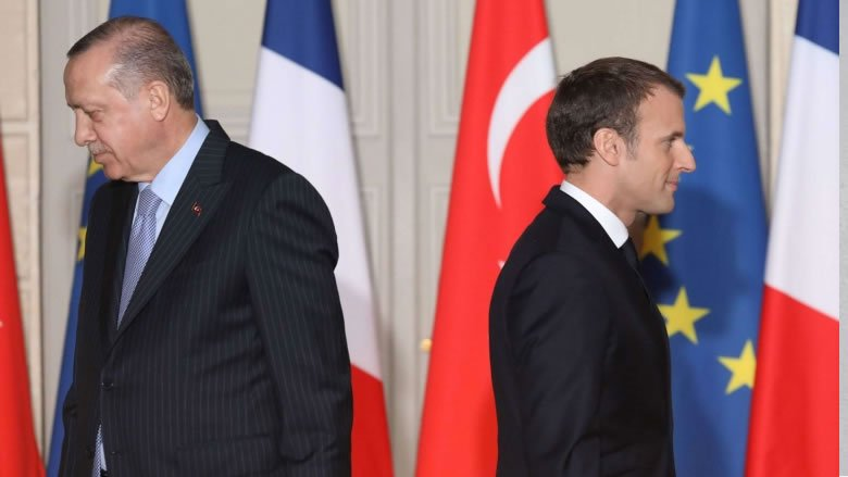قائمة الخلافات تتسع بين ماكرون وأردوغان