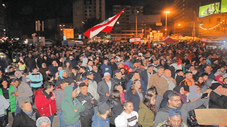 ساحة الاعتصام في طرابلس جمعت ناشطين من مناطق مختلفة