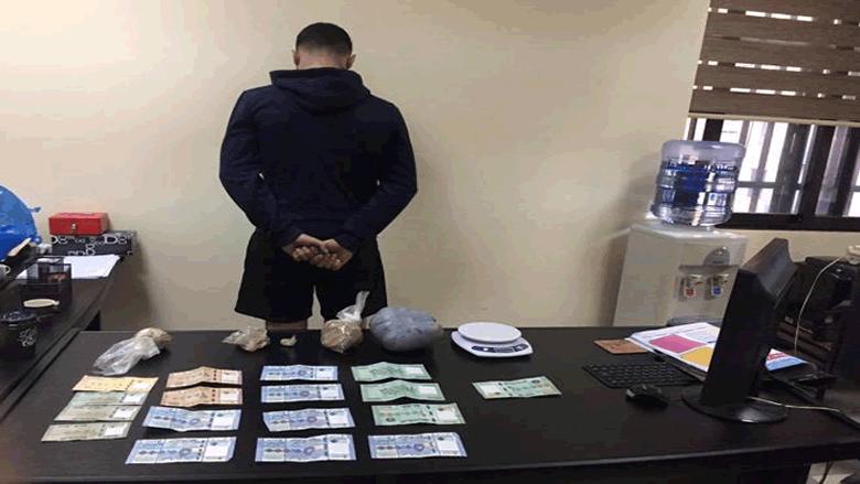 مروّج في قبضة مكتب مكافحة المخدرات