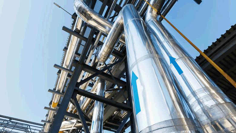 أنابيب النفط والغاز أزمة إضافية للبنان