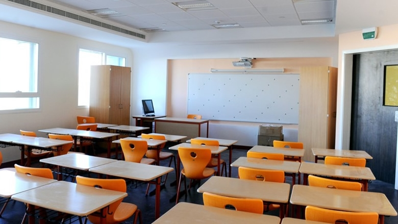 المدارس الكاثوليكية: قرار الإغلاق يعود للحكومة
