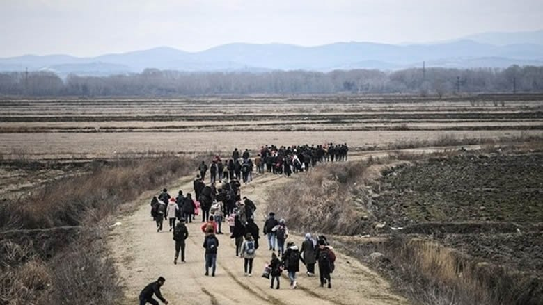 اردوغان يضغط على اوروبا.. والمهاجرون على الحدود اليونانية