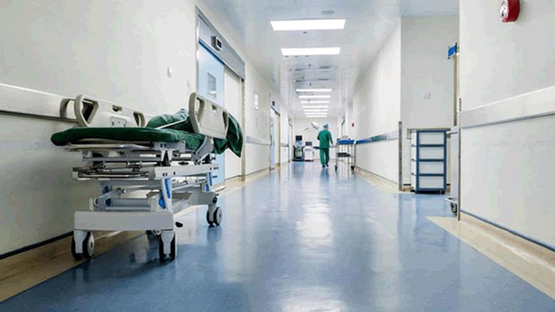 أكبر مستشفى بقبرص يعلق خدماته بعد إصابة طبيب بفيروس كورونا