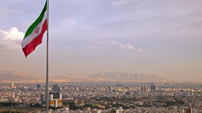شمخاني والكاظمي والارتباك الإيراني