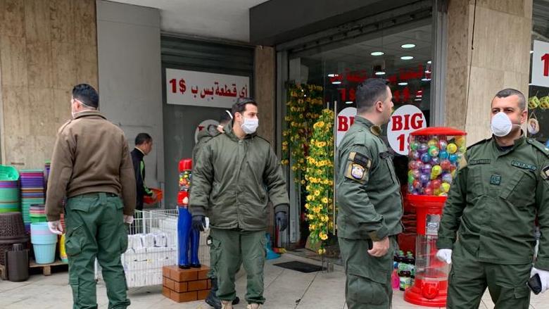بالصور: فوج حرس بيروت يواصل تنفيذ قرار شبيب بالاقفال ومنع التجمعات