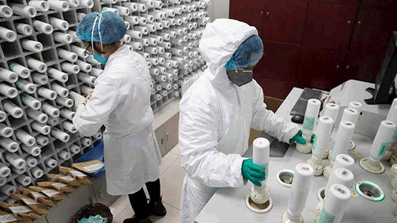 نقيبة اصحاب المختبرات في مؤتمر صحافي مشترك مع نقيب الصيادلة: هناك 11 مستشفى معتمد لاجراء الفحص