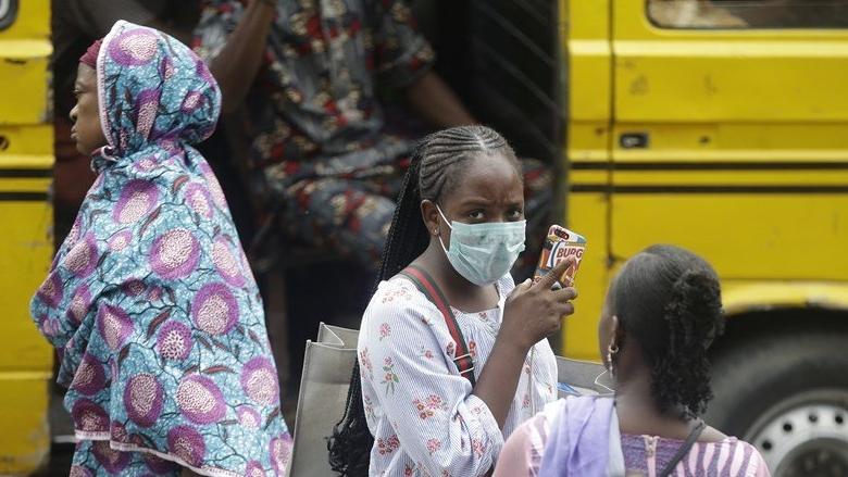 فرنسا دعت إلى تجنب مأساة في إفريقيا بسبب الفيروس