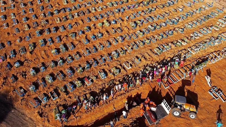 """الأمم المتحدة تحذر من """"كارثة إنسانية"""" وأكثر من 110 آلاف وفاة في أوروبا بكورونا"""