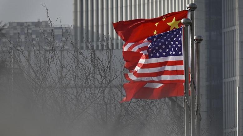 """""""كورونا"""" يفتك بالعلاقات الصينية الأميركية... وخلافٌ على مصدره"""
