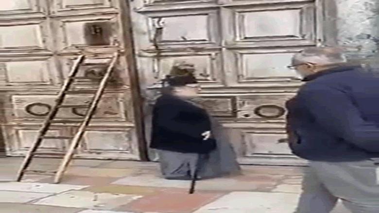 بالفيديو: بعد الموت الأسود في العام 1349... كورونا يقفل أبواب كنيسة القيامة