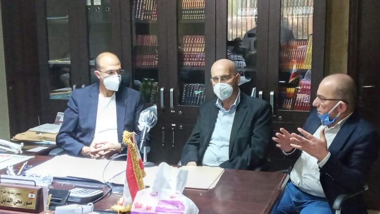 وزير الصحة تفقد بلدة المرج البقاعية والتقى رئيس بلديتها