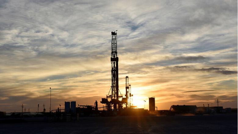 ارتفاع أسعار النفط بعد تراجعها بسبب التوتر بين بكين وواشنطن