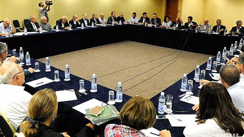 لقاء سيدة الجبل: مفتاح الحل للأزمة المالية والاقتصادية هو تطبيق الدستور وقرارات الشرعية الدولية