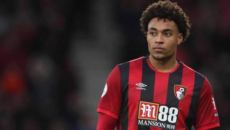 """الشرطة اعتقلت لاعب الدوري الإنجليزي بالخطأ في """"حادث عنصري"""""""