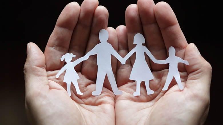 أخطاء شائعة يمارسها الأهل مع أولادهم.. إحذروها