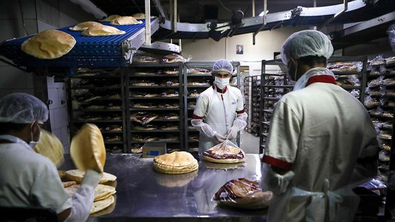 القلق الأمني يزيد طين اللبنانيين بلّة.. وربطة الخبز بـ2500 ليرة؟!