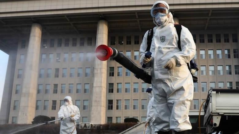 فرنسا تعلن سيطرتها على فيروس كورونا