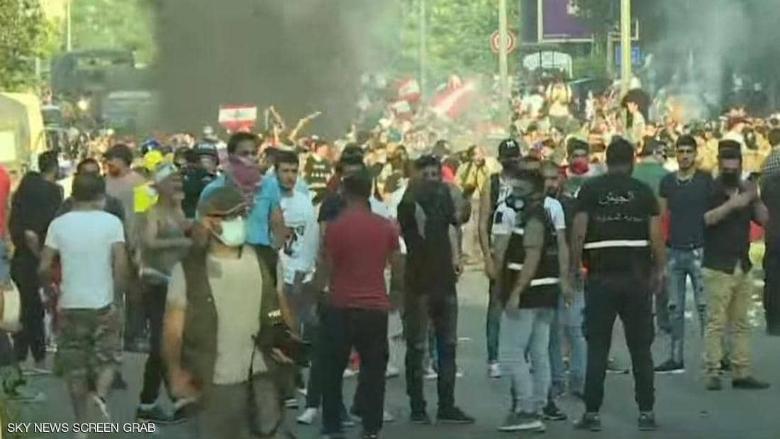 قوى الامن تطلب من المتظاهرين السلميين الانسحاب