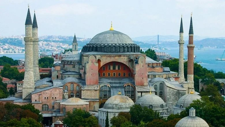 إدانات دولية لتحويل آيا صوفيا إلى مسجد: خطوة مستفزة