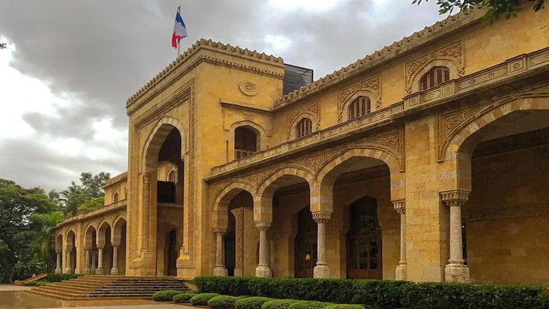 السفارة الفرنسية في لبنان: سننشىء صندوق مساعدات لتعليم تلاميذ غير فرنسيين