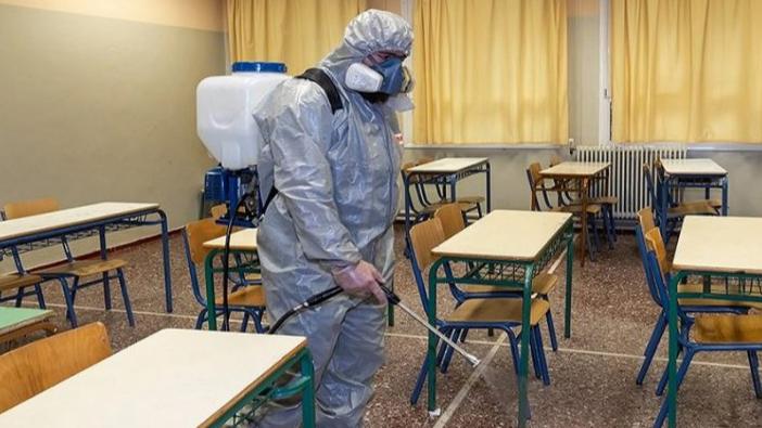 هونغ كونغ تغلق المدارس بسبب ارتفاع حالات الإصابة بالفيروس