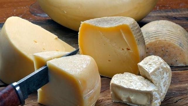 دهم معمل البان في المتن وحجز 3 اطنان من الأجبان غير المطابقة