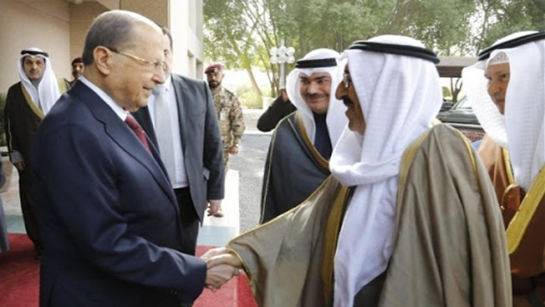"""حكومة """"تعقيب المعاملات"""" غائبة.. وعون يطرق أبواب الكويت"""