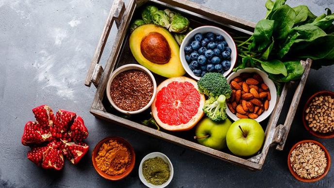 قائمة من 10 أطعمة صحيّة لكنها تزيد الوزن