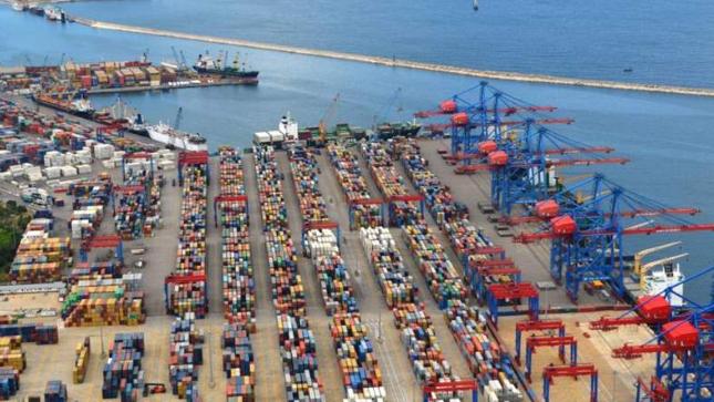 نقابة مالكي الشاحنات في المرفأ: لإلغاء قرار وقف السائقين غير اللبنانيين وإلا سنتوقف عن العمل
