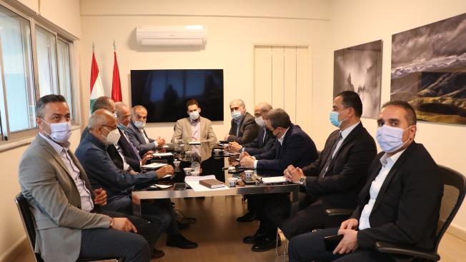 """""""اللقاء الديمقراطي"""" يدعو لإقرار سلفة غلاء للموظفين وصندوق البطالة للقطاع الخاص"""
