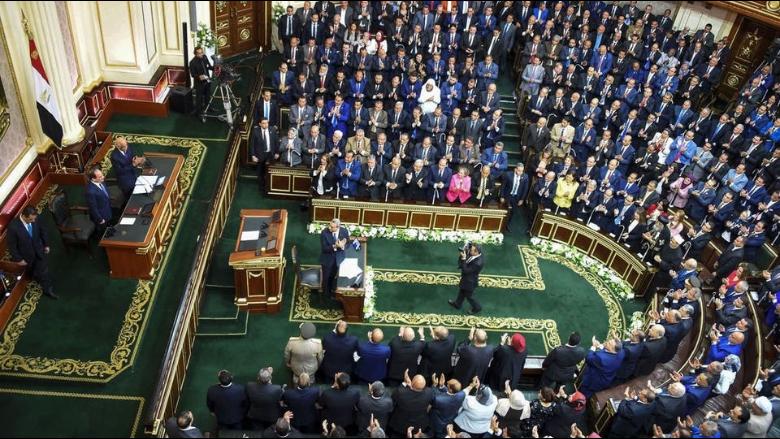 البرلمان المصري يوافق على إرسال الجيش في مهام قتالية خارج الحدود